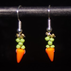 carrot earrings thumbnail